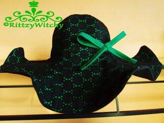 【受注生産】14cmツバ・3枚仕立て、レース生地フレアシンプル女優ハット(黒×レトロ緑)の画像