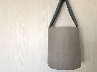 バケツ型 ワンハンドル トートバッグ ライトブルーの画像