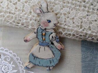水色のワンピースを着た白いウサギちゃん☆の画像