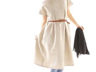 【wafu】リネンワンピース ピンタック オフネックドレス シルクオーガンジー/亜麻ナチュラル a81-12の画像