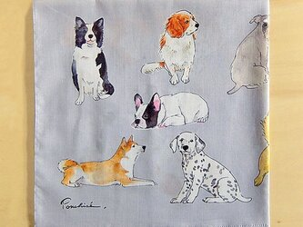 犬のハンカチの画像