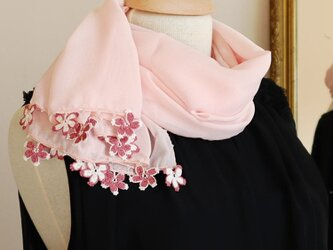 【受注製作】レースの花付き シフォンストール「さくら/2辺」パールピンクの画像