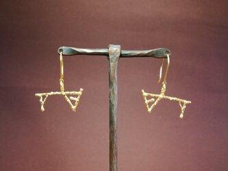 ピアス「Ⅵ」18金の画像