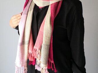 """【オールシーズン】ユニセックス:手織りストール """"Pink & Beige Mix""""の画像"""