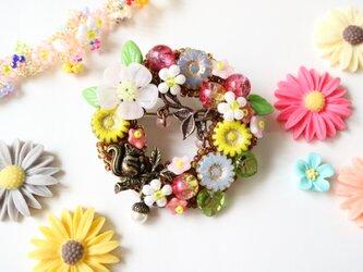春の森 子リス物語の画像