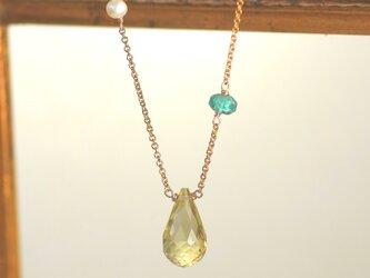 14kgf 大粒AAA宝石質レモンクォーツ ブリオレットドロップカット、アパタイト アシンメトリーネックレスの画像