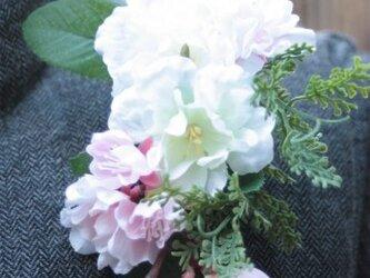 春のコサージュS☆桜とつるバラのちょこっと小さめサイズの画像