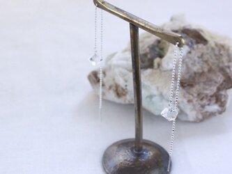 Herkimer Diamond long chain earrings ハーキマーダイヤモンドのアメリカンピアスの画像