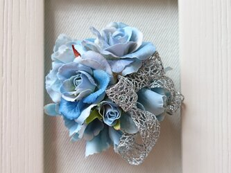 rose corsage (ミズイロ)の画像