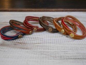 ヌメ革6つ編みブレスレット(カラー組み合わせ)の画像