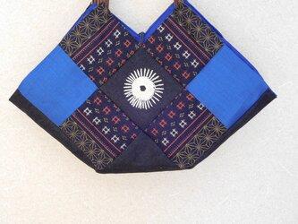 着物柄 デニム 麻布のパッチワークでつくった六角形の手提の画像