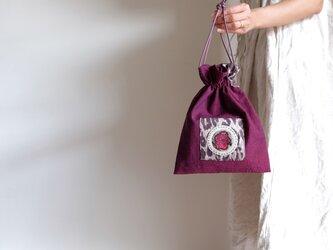 リネンの巾着袋 - 赤紫に豹と花 -の画像