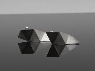 アシンメトリー三角形シルバーピアス [fold triangle] LLP-005の画像