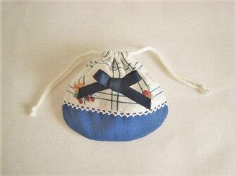 レースとリボンを付けたかわいい巾着袋(ブルー)の画像