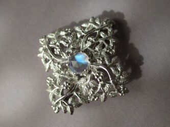 SV Bluemoon stone Botanical broochの画像