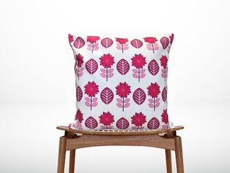 森のクッション pink flowersの画像