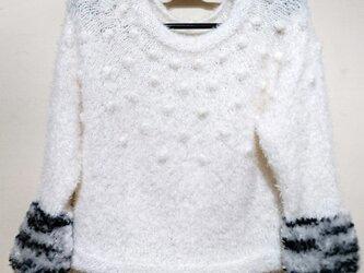 丸ヨークのファーセーターの画像