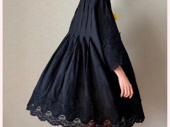 立体花レースワンピース(黒)の画像