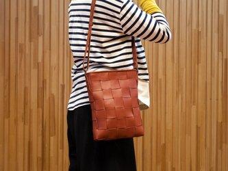 ソファ用牛革製 / 縦型ショルダーバッグ/赤茶色の画像