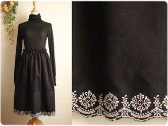 期間限定sale送料無料 黒 コーデュロイ 裾 スカラップ 切り替え ギャザースカート 丈74cmの画像