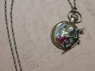 うさぎの懐中時計No.3【レジンアクセサリー】の画像