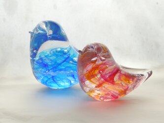 おひなさまのようなガラス小鳥ペアの画像