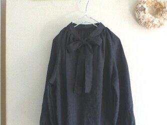 墨黒リネン100%生地 ラグラン袖リボンブラウス MLの画像