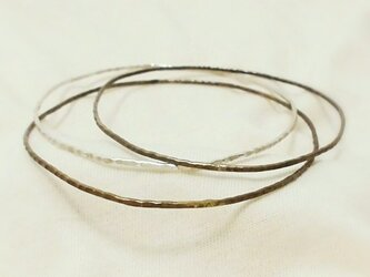 繊細バングル(真鍮古美)の画像