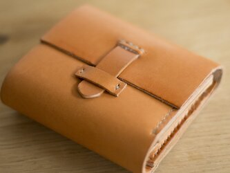 やわらかいレザーの3つ折り財布の画像