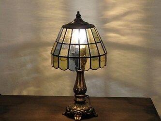 透明色ガラスの輝き 16角形のステンドグラスランプの画像