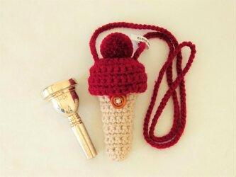 トロンボーン マウスピースケース毛糸のポンポン【ワインレッド】首掛け用の画像