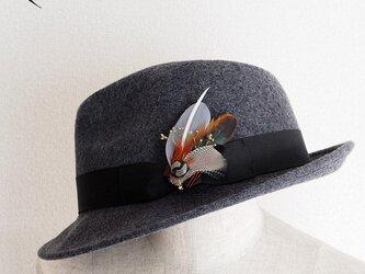 羽根のコラージュハットピン/ブローチ◎BS001【送料無料】の画像