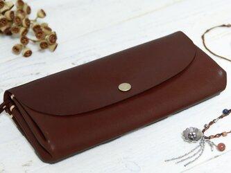 <送料無料>手縫いの一枚革アコーディオン長財布 チョコ 牛ヌメ革(キップヌメ)の画像