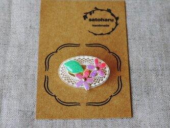 桜のブローチ・オーバル形の画像