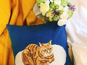 手刺繍クッションカバー(MEOCUSH110)の画像