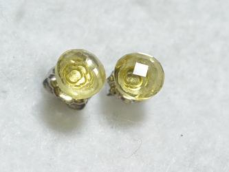 レモンクオーツ・コインカットのスタッドピアス(6mm・チタンポスト)の画像