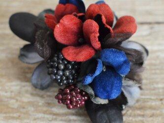 *染の草花*『染の草花・ブラックベリーのコサージュ』の画像