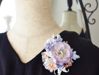 *染の草花*『染の草花・貝殻花のコサージュ(ヘアクリップ付き)』の画像