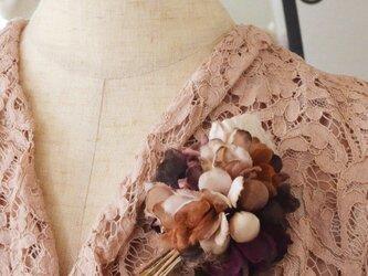 *染の草花*『染の草花・枯れた紫陽花のヘアクリップ付コサージュ』の画像