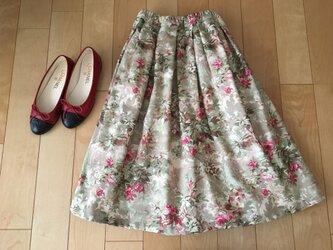 【オリンピック感動セール】 ピンクバラデザインスカートの画像