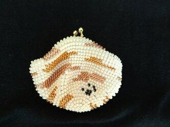 <再出品>ビーズ編みがま口財布 トラ猫柄の画像