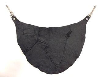【一点限り】ツギハギ エゾシカ革バムフラップ ブラックの画像