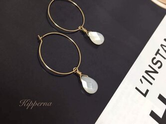 【 14kgf 】2way 天然 白蝶貝 ホワイト シェル ゴールド フープ ピアスの画像