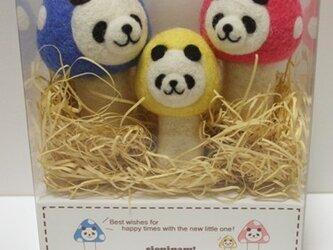 羊毛キノコパンダの親子マスコットセット(青&ピンク&イエロー)の画像