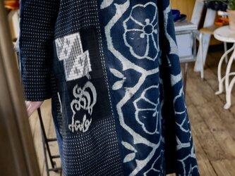 藍染古布筒がきと久留米絣のチェックワンピースの画像