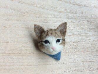 ウールの子猫ブローチの画像