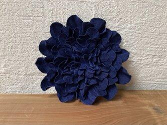 革花のブローチピン 3Lサイズ  紺の画像