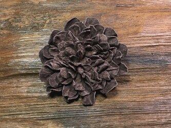 革花のブローチピン 2Lサイズ モカの画像