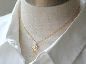 14kgf オリーブ リーフ 小枝のネックレスの画像