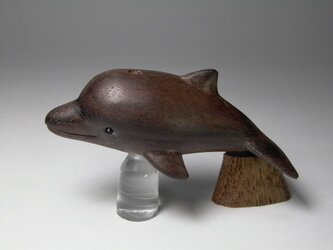 根付 縞黒檀イルカ 1の画像